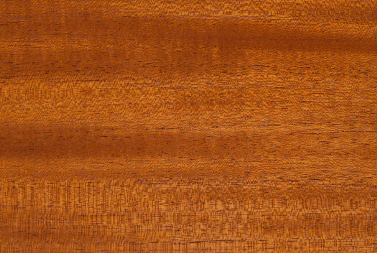 1万円台のウクレレの特徴③マホガニーで作られているものが多い